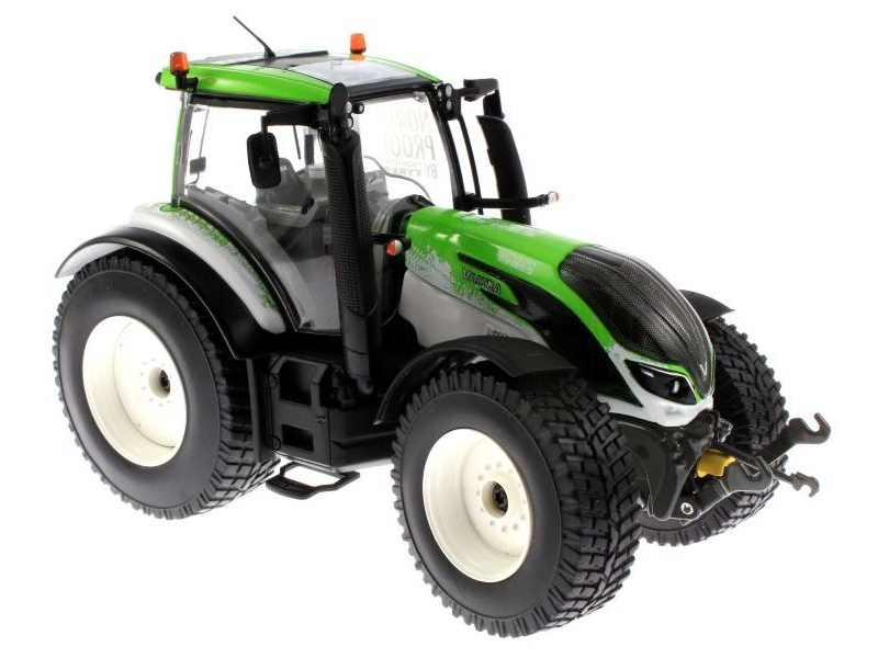 Valtra T234 Guiness World Record